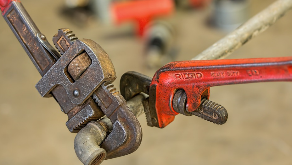pipe wrench for maintenance